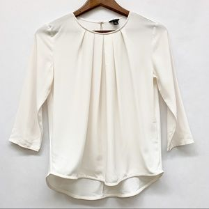 4 FOR $30 SALE Ann Taylor Cream Pleated Blouse XSP